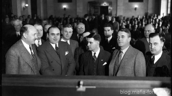 Аль Капоне в зале суда