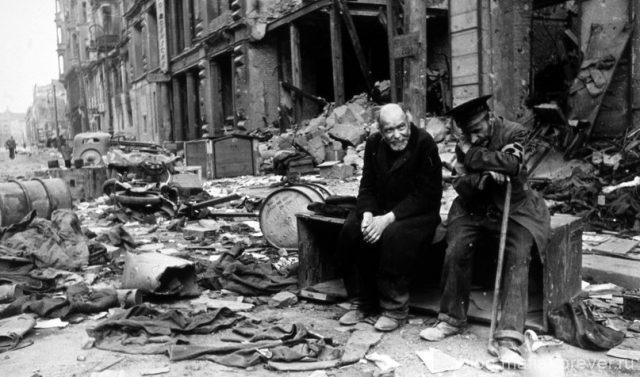 Поверженный Берлин в начале мая 1945 года